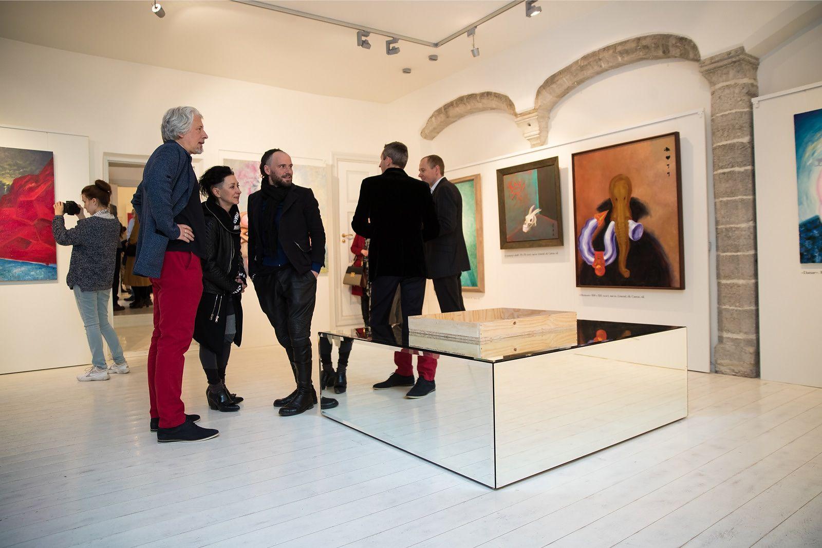 Владимир Сорокин открыл в Таллиннской портретной галерее свою персональную выставку «Три друга»