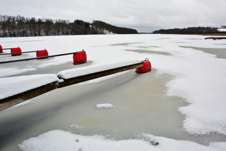 Täna pidanuks toimuma Viljandi järvel kalapidu