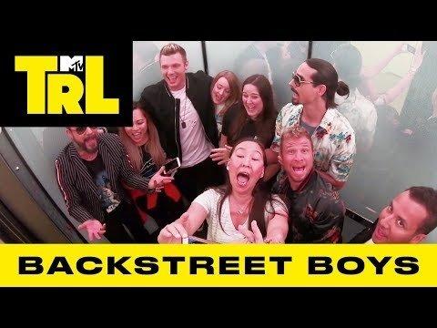 VIDEO | Mis juhtub kui inimesed leiavad end ootamatult seismas Back Street Boysiga samas liftis?