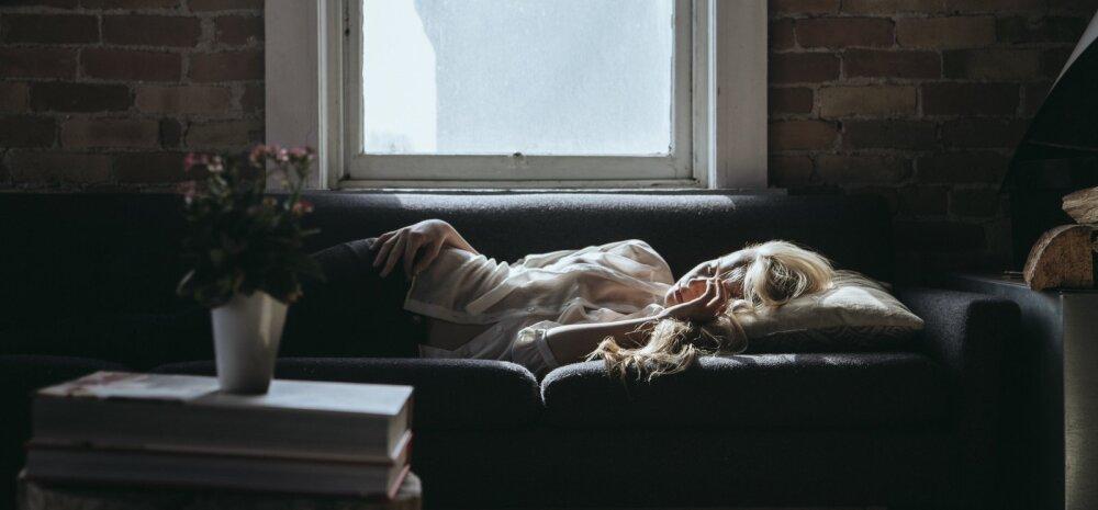 Hädavajalikud nipid rännusellidele: kuidas võõral diivanil magada