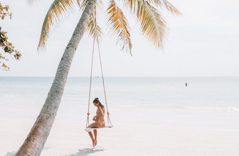 <div>Paradiisisaar Phú Quốc   Lumivalged rannad, kristallselge vesi ja tapetud mao veel tuksuva südame söömine</div>