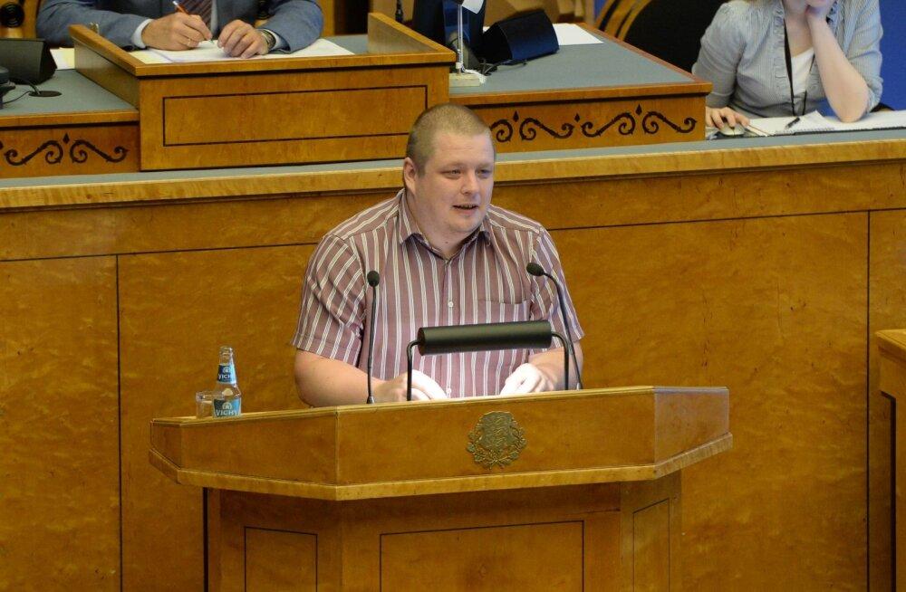 Erki Savisaar Kallasele: endine peaminister promos e-riiki, kuid IT-tiiger oli koduseinte vahel näljas