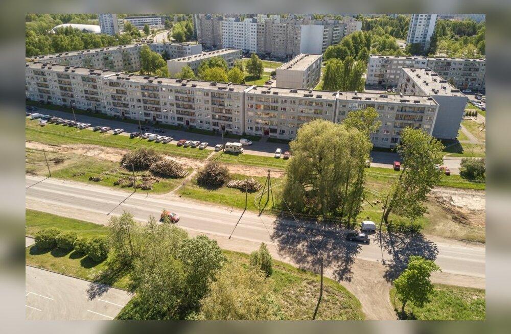 В Ыйсмяэ из окна на третьем этаже выпал мужчина