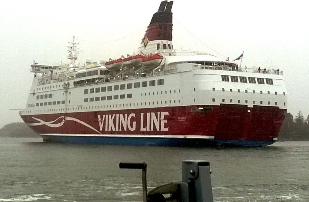 Viking Line ei lasknud Soome iseseisvuspäeva marsile minna tahtnud Rootsi neonatse Stockholmis laevale