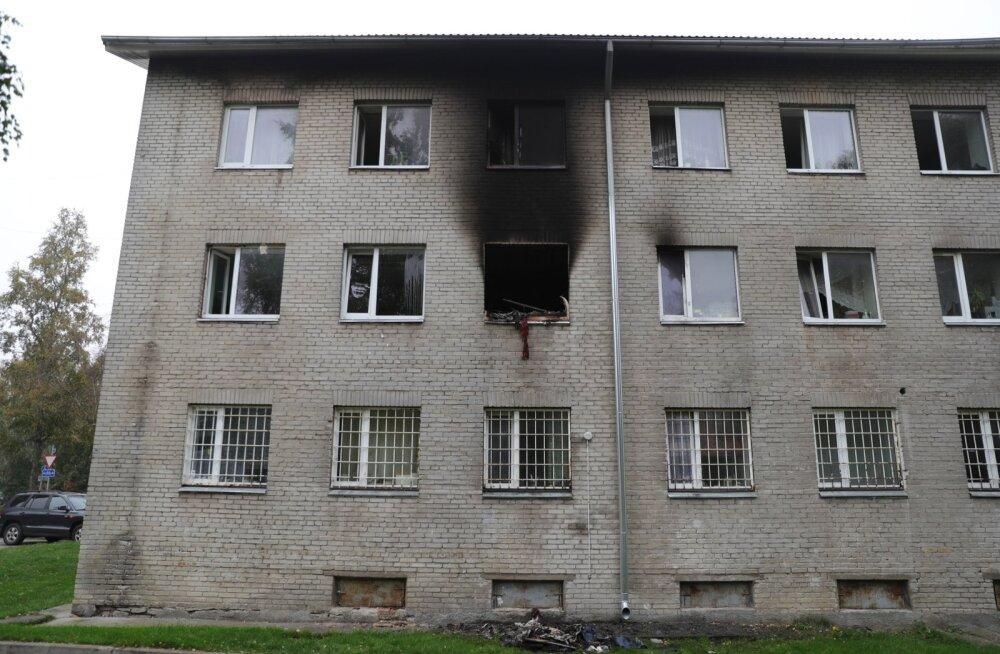 Maardu sotsiaalmaja põlengu põhjustas lohakalt kustutatud suitsukoni