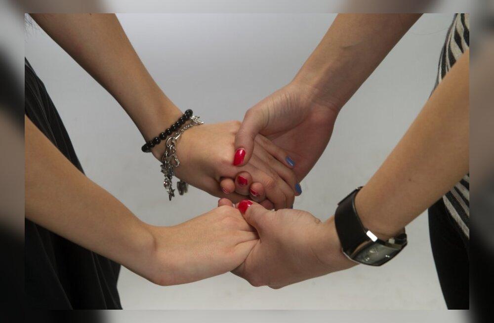 Õiguskantsler riigikogule: välismaalasel peab olema õigus Eestis samasoolise parneriga kooselu registreerides elamisluba saada