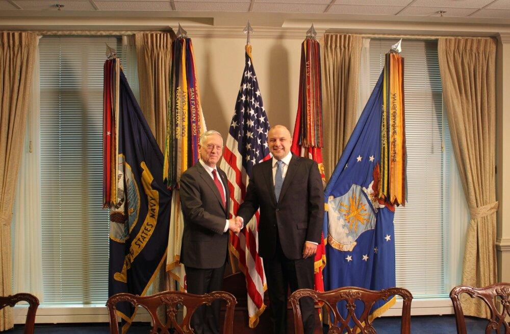 Луйк встретился с министром обороны США