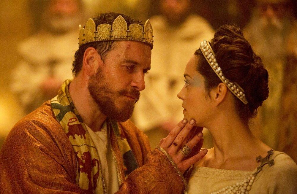 Leedi Macbeth (Marion Cotillard) motiveerib oma armastatud Macbethi (Michael Fassbender) temas tekkinud võimuiha realiseerima ja nad tõusevad koos troonile.