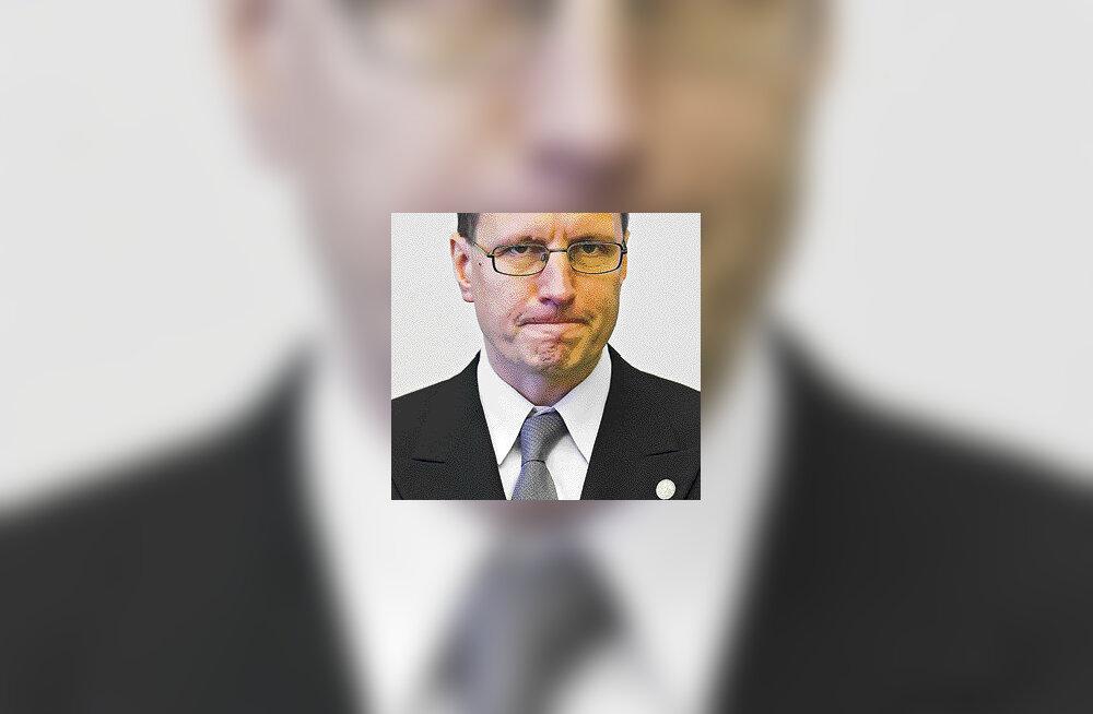 Tallinna ametnik teeb töötelefoniga valimisreklaami