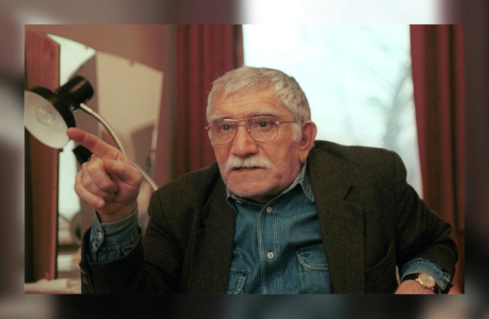 Друг Армена Джигарханяна прояснил ситуацию с задержанием актера полицией