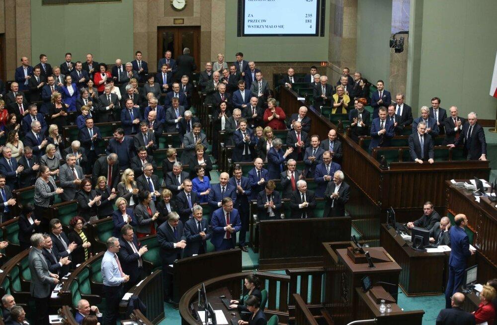 Poola järjekordse vastuolulise seaduse järgi saab justiitsministrist ühtlasi peaprokurör