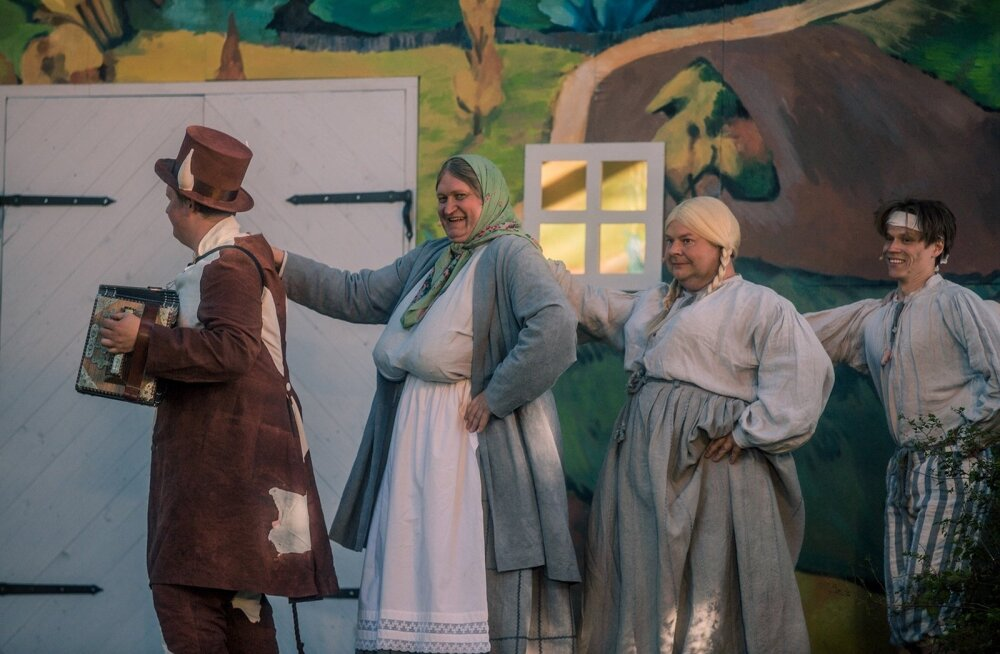 Etenduselt ei puudu publiku kaasa elama panev tants, laul ja pillimäng.