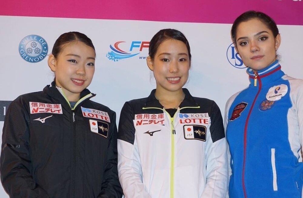 Rika Kihira, Mai Mihara ja Evgenia Medvedeva