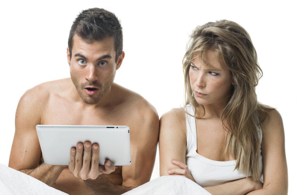 Nädalavahetus ootab ees ja tahaks veidi vallatleda? Pornonäitleja jagab kuut nippi, kuidas koos erootilisi filme vaadata