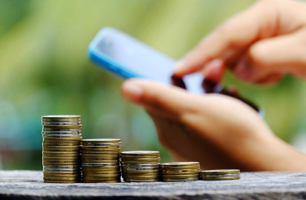 Kui on kavas raha säästa ja karjäärimuutuse ajaks kõrvale panna, aitavad mobiilirakendused igapäevastel kulutustel silma peal hoida.