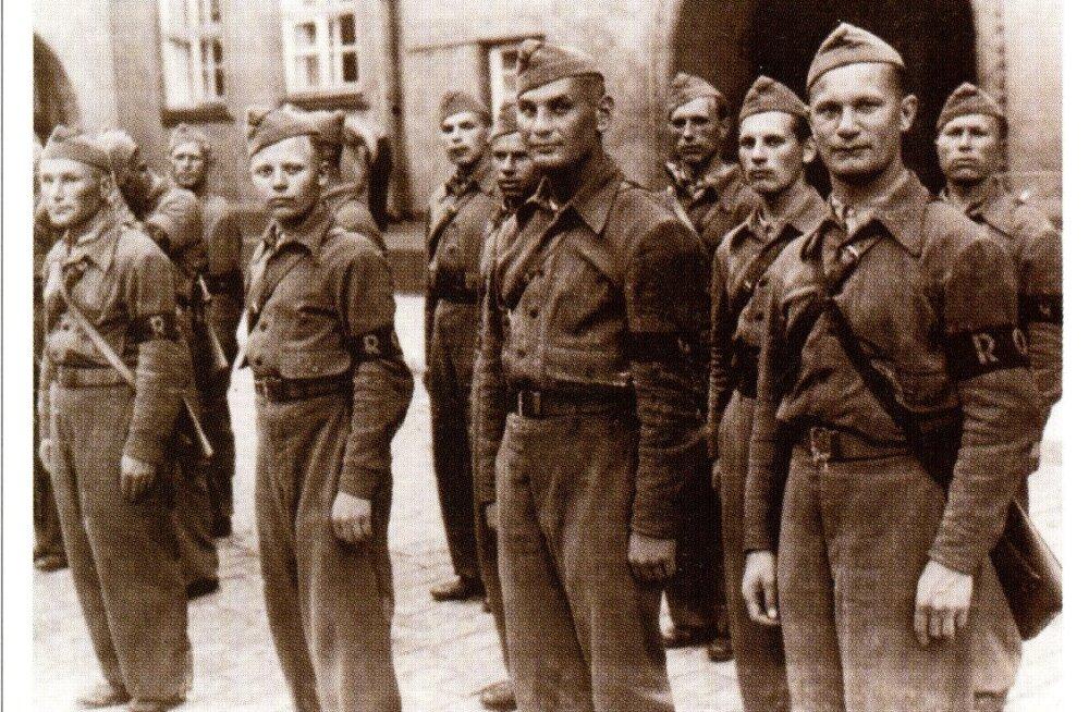 KATKEND RAAMATUST   Tallinn Teises maailmasõjas. Okupatsioonivägede saabumine ja Raua tänava lahing, 4. osa