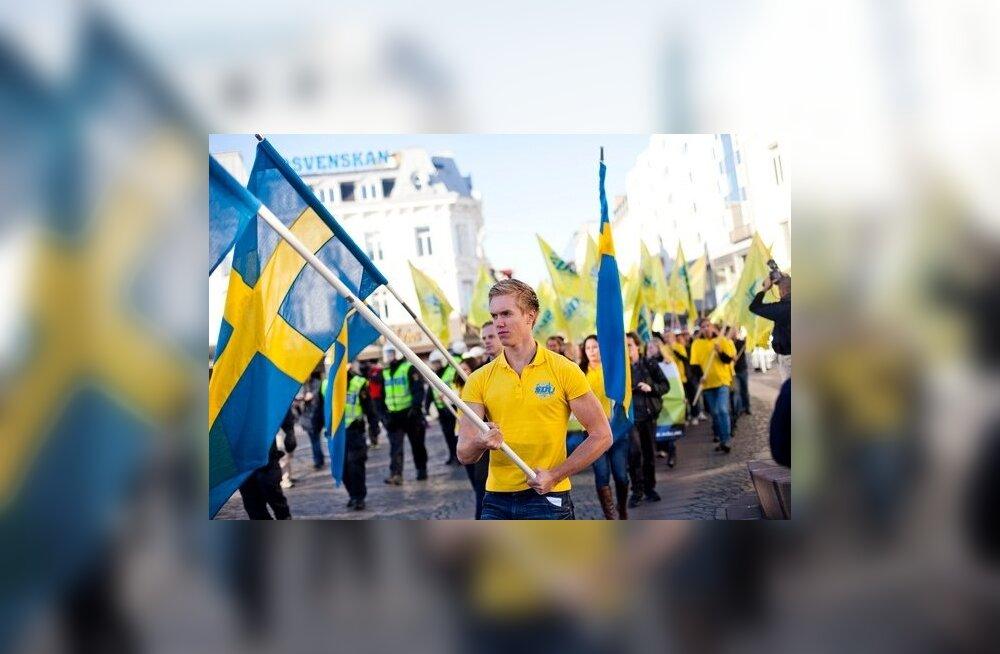 Rootsi Demokraadid läksid tülli oma noortekoguga: paarkümmend antisemiiti ja Hitleri imetlejat visati väidetavalt välja