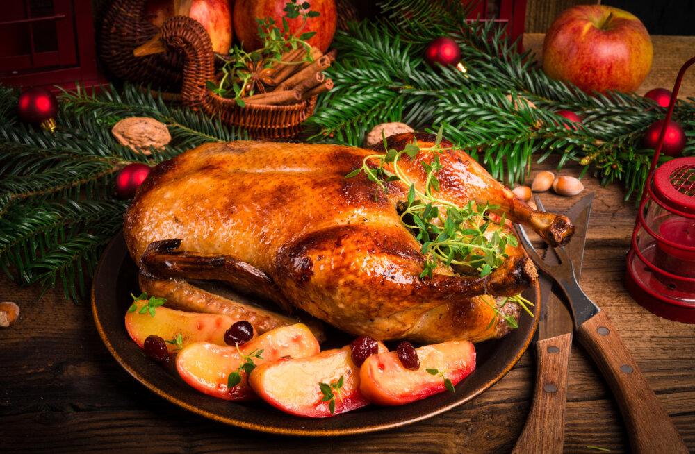 Toitumisnõustaja Signessa Kalmus annab nõu, milliste jõulutoitudega tasuks piiri pidada