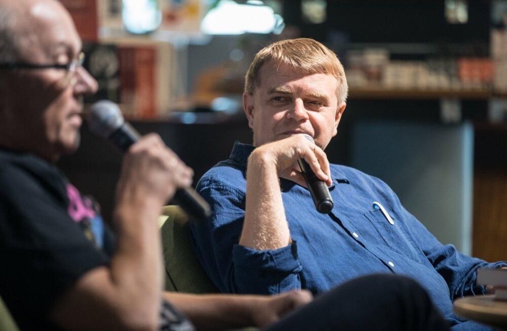 """Andrus Kivirähki kahe uue teose esmaesitlus. Jutukogu """"Millest kõneleb vana taksojuht kuupaistel"""" ja näidendikogu """"Köster"""""""