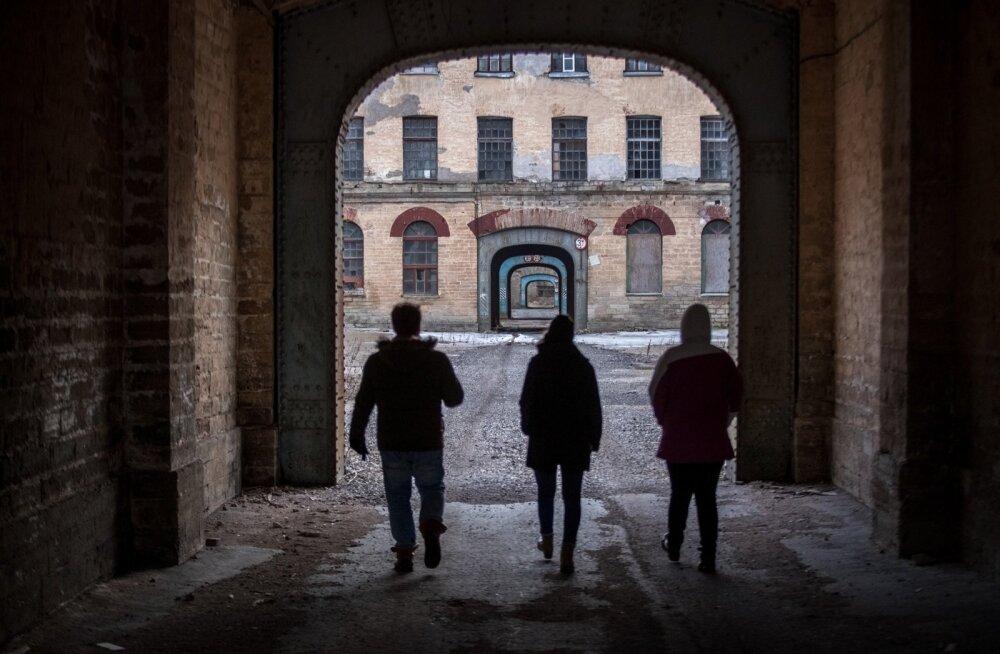 Arstitudengi reisikiri Narvast: jõud ning muserdus piirilinnas