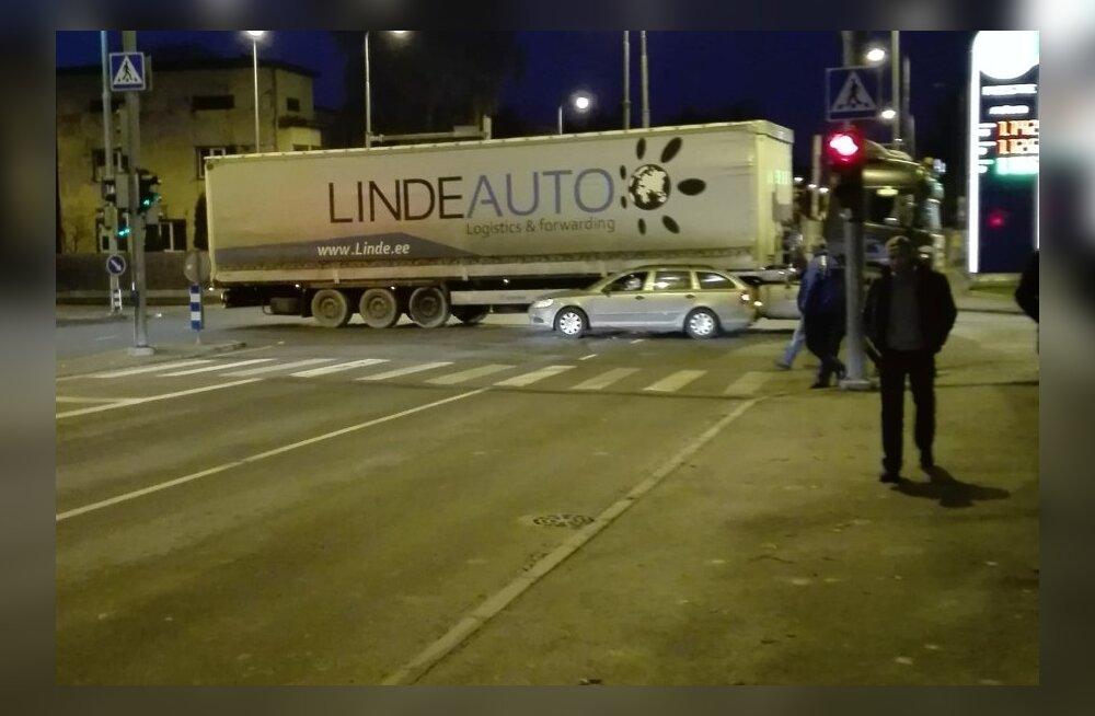 Liiklusõnnetus Männikul