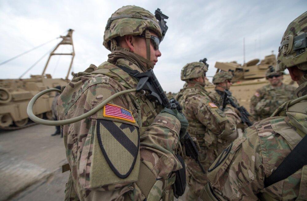 Польша предложила разместить у себя постоянную военную базу США