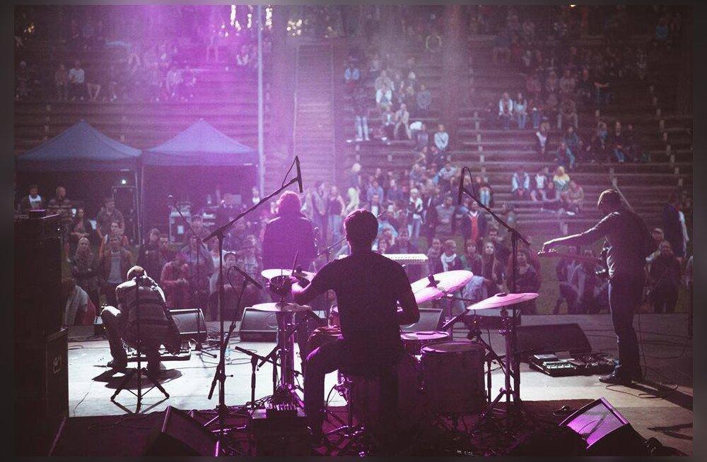 Elektropopi muusik Kali Briis avaldas uue albumi