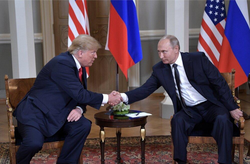 Enne kohtumist jagas Trump Putinile ka kaameratesse jäänud silmapilgutuse.