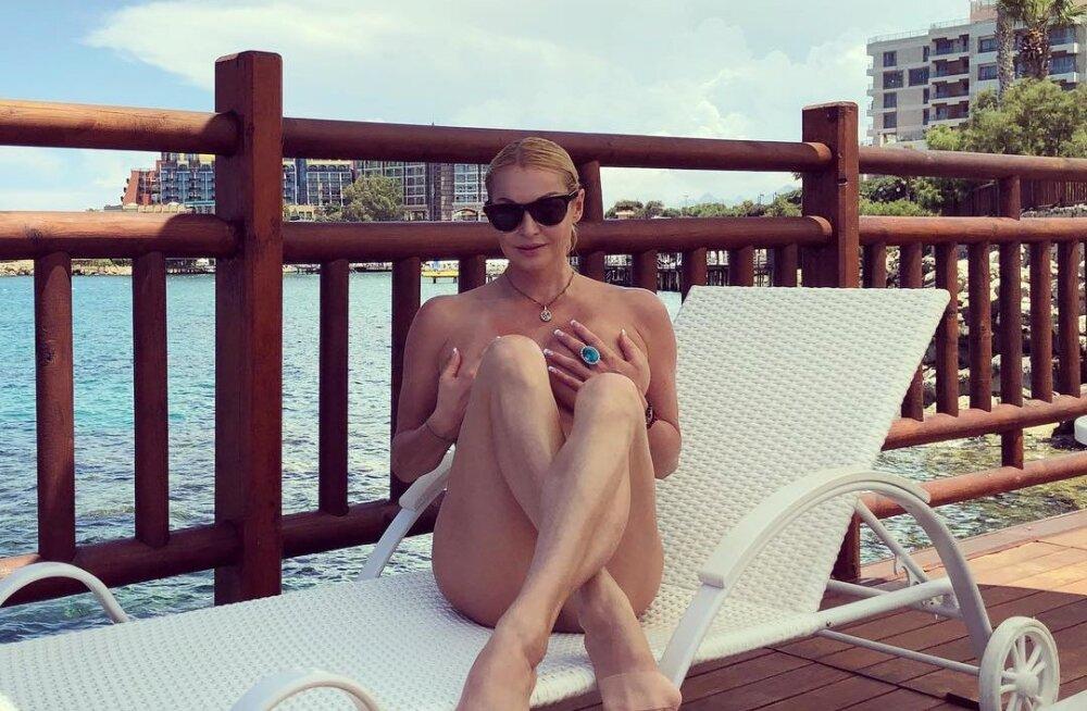 Снова ню. Волочкова опубликовала голое фото с Кипра