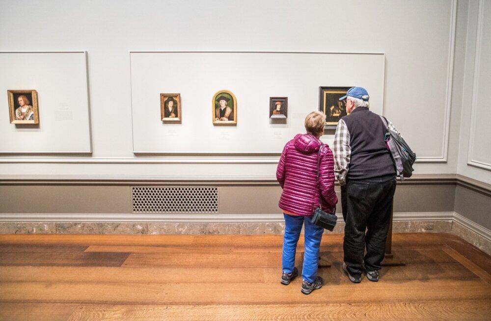 Michel Sittowi tööd panevad näitusekülastajad maalidesse pikemalt süvenema.