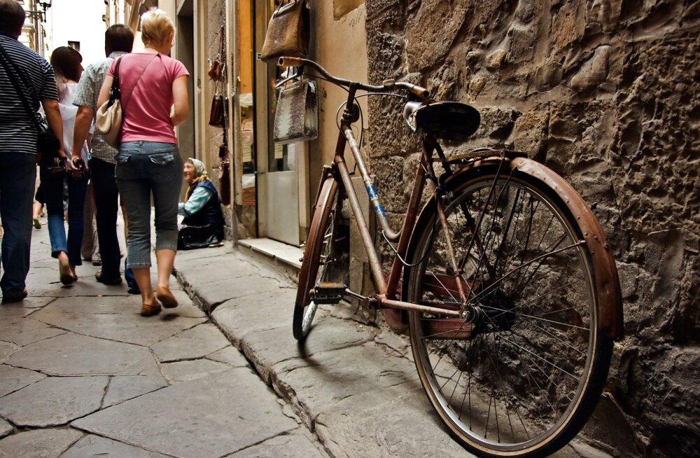 Et rattavarguse korral hüvitist saada, tuleb ratas iga kord lukustada.