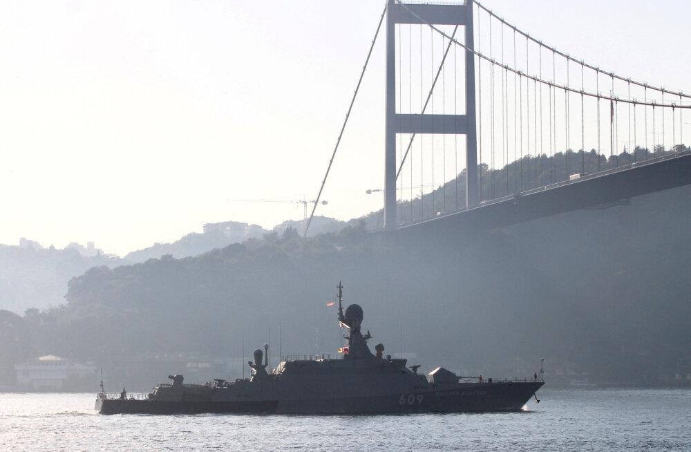 Vene merevägi asus pingetõusu ajel kiirelt suurendama oma kohalolekut Vahemerel