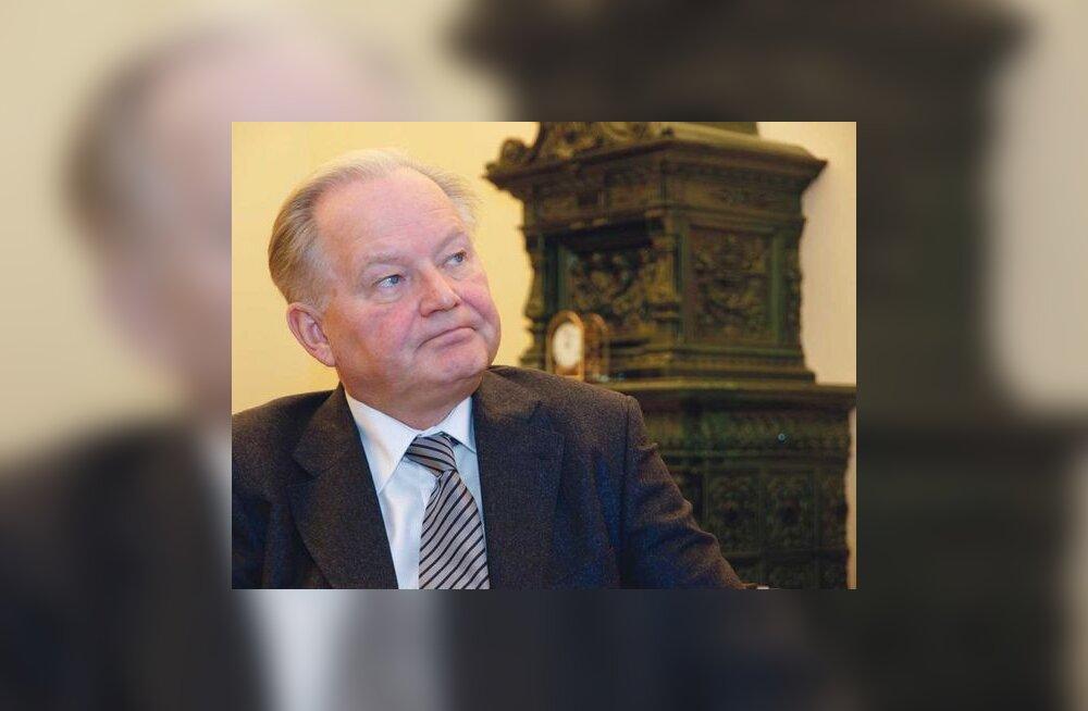 Jaan Männik: Kärbete  taga ei paista kiusu