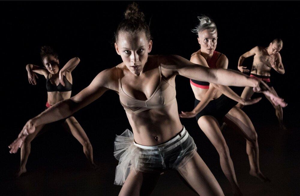 """Susanna Leinonen on oma trupiga Eestis esimest korda, ehkki ta ise on omal ajal töötanud Estonia balletiartistina. """"Mul on Eestis sõpru, miks siis mitte seekord hoopis esinema tulla?"""""""