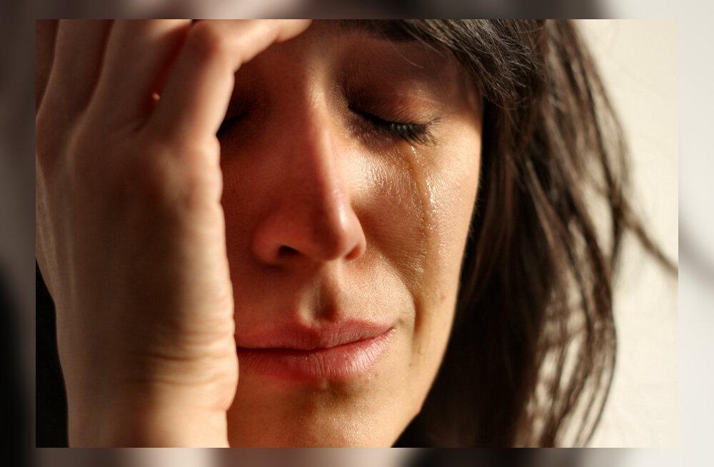 Sünnitusjärgne depressioon: mida teha, kui masendus ja pisaratevoog ei tahagi lõppeda?