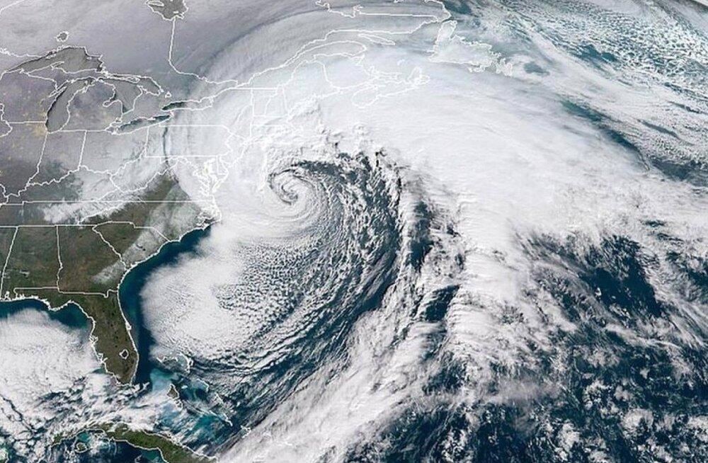 Pommtsüklon USA kohal.