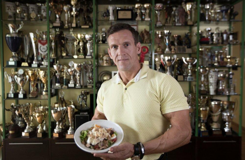 Oleksin võinud juba varem maitsemaailma avastada, meenutab Ott Kiivikas aegu, mil sõi ühekülgset toitu.