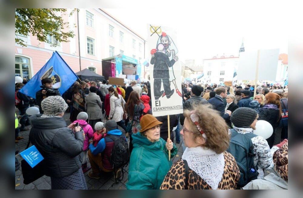 Aasta kõige teravam meeleavaldus: Toompeal protestiti kooseluseaduse vastu!