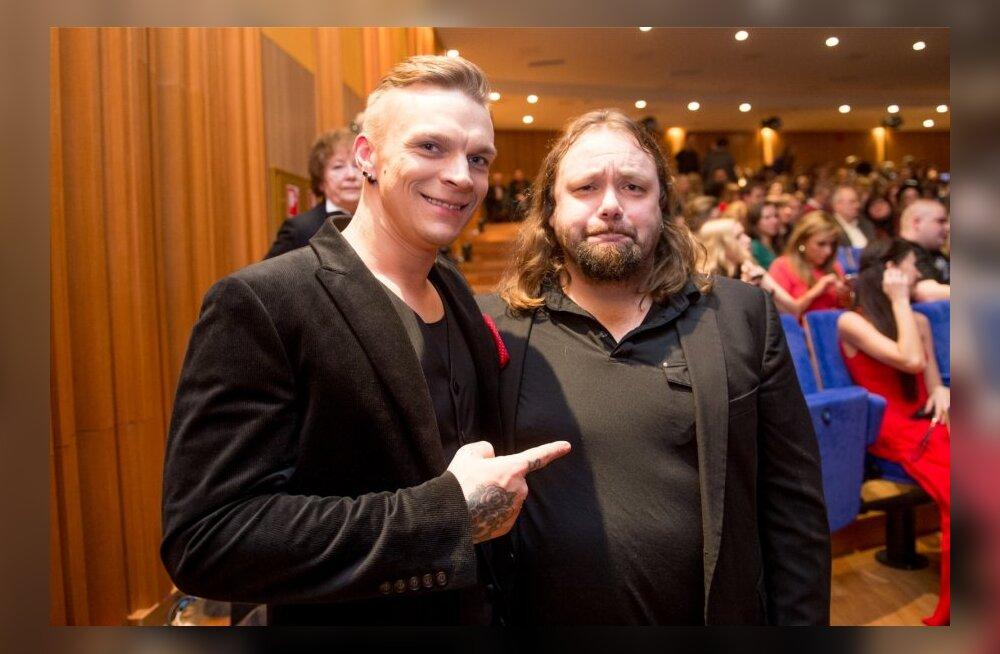 Tanel Padar koos bändikaaslase ja mänedžeri Danel Pandrega