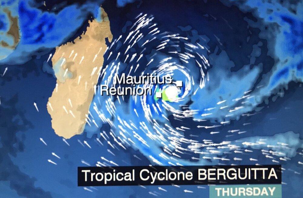 Mauritiusele läheneb ohtlik troopiline tsüklon! Eestlane kohapeal: poed ja koolid on kinni, ühistransport ei sõida