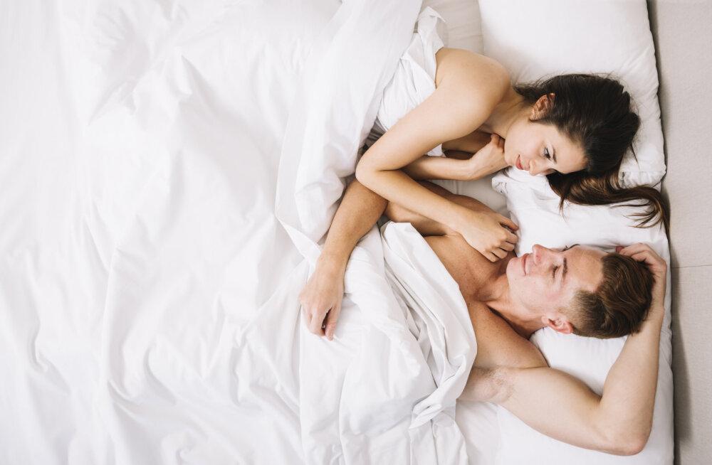 Kaks või kolm on alati parem kui üks: 8 uskumatut seksipoosi mitmekordseks orgasmiks