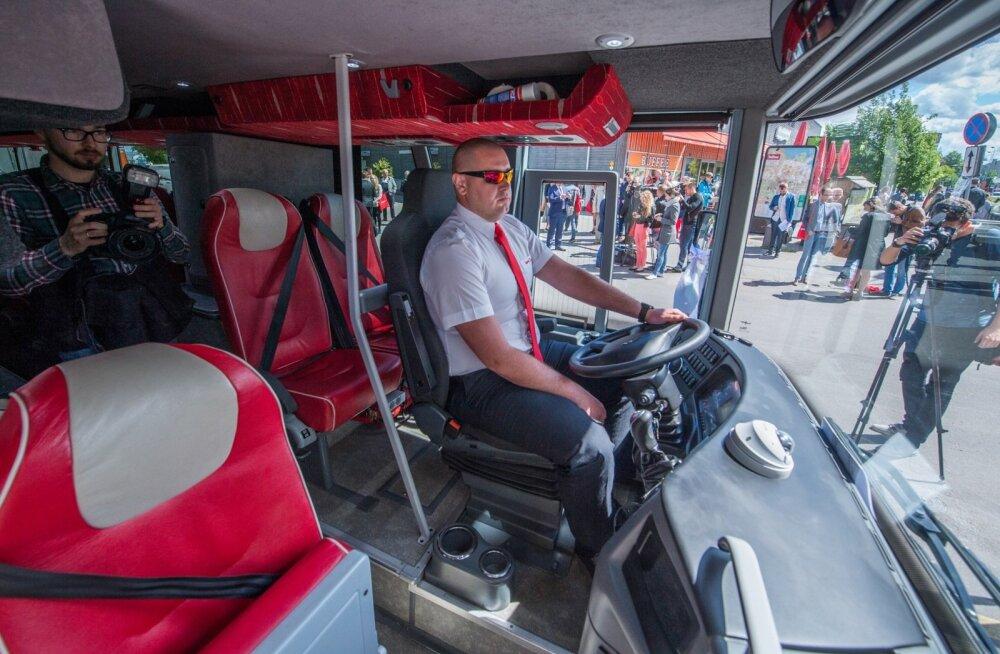 Superbus kutsub Eestis tööta jäänud bussijuhte Soome
