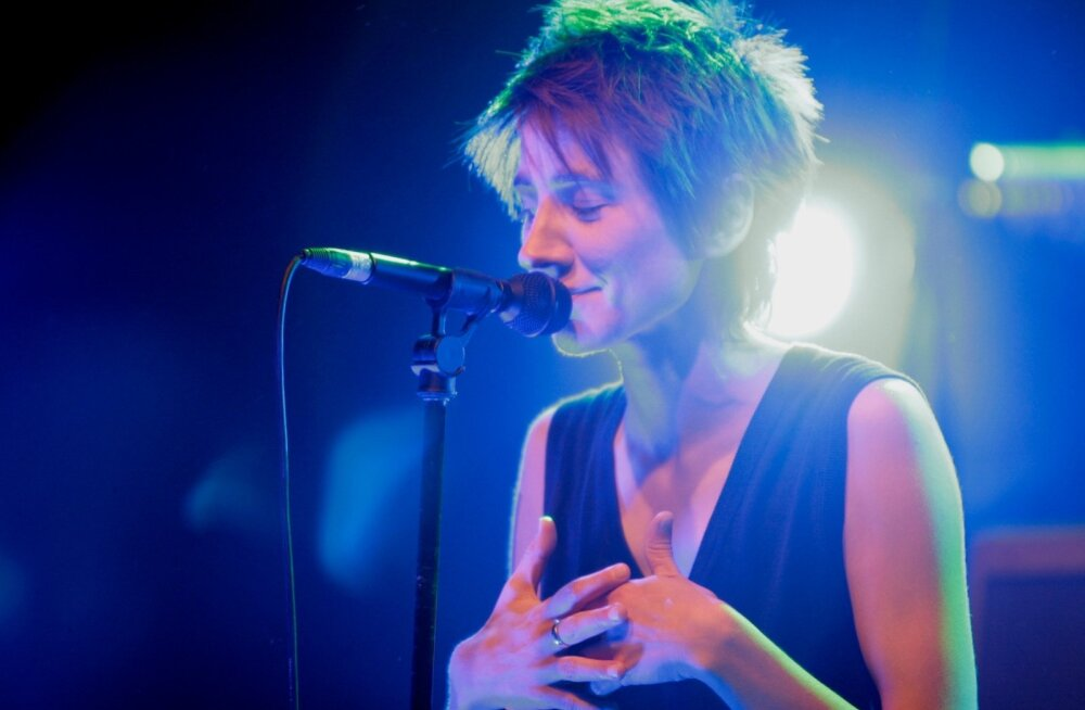 Zemfira Tallinnas 2007. aastal, kui tema aprillis toimuma pidanud kontsert kuu võrra edasi lükati.