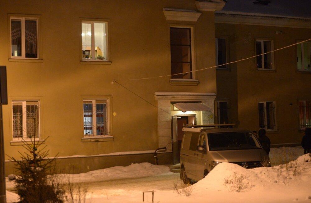 Vingumürgitusse surnute naabrid: seadus ei loe, päästja peab ukse kohe maha lõhkuma, kui inimese elu ohus!