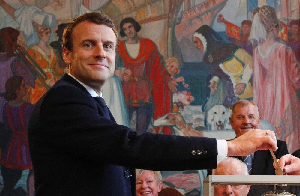 Moskva katse nurjata häkkimisega endale soovimatu kandidaadi Prantsusmaa presidendiks valimine läks aia taha ja Emmanuel Macron võis eile rahuliku südamega oma valimissedeli kasti lasta.