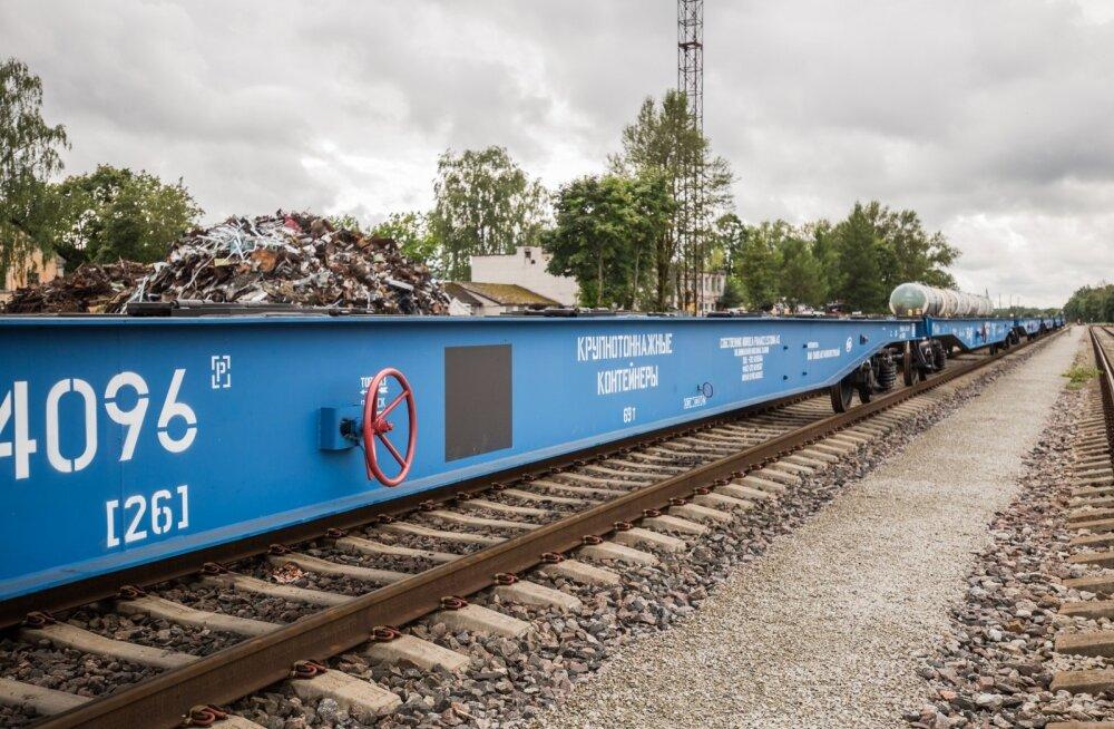 Suvel jõudsid esimesed EVR Cargo platvormvagunid Eestisse. Nüüdseks on neist 300 välja renditud, riigifirma ostab samasuguseid veel 217.
