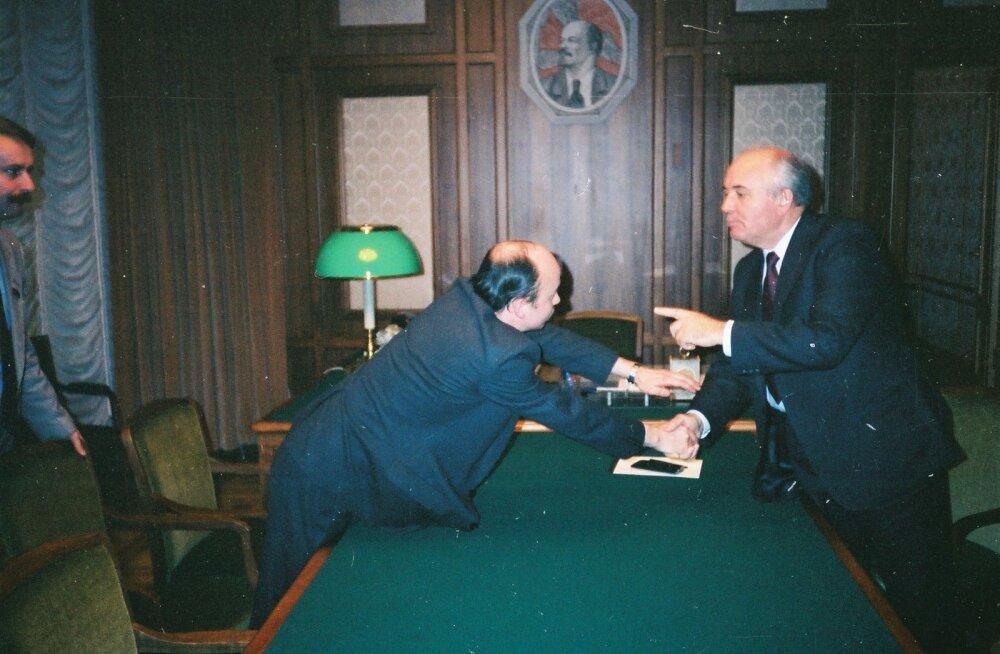 Igor Gräzin lepib Mihhail Gorbatšoviga kokku, et mõlemad pooled räägivad suud puhtaks.