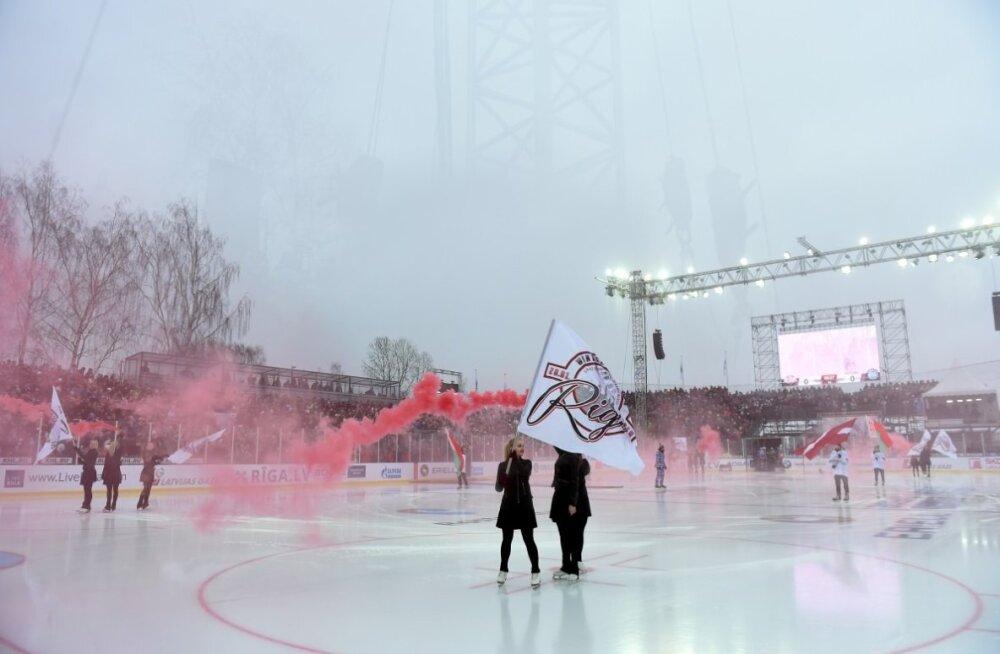 FOTOD JA VIDEO   Riias vabas õhus peetud KHL-i hokimatš tõi kohale üle 10 000 inimese