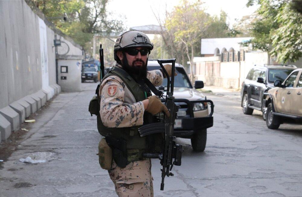 Estpla-27 patrull nn rohelise ala piiril. Kontrollpunkti tagant algab see Kabuli osa, kuhu oma nina toppida ei soovitata.