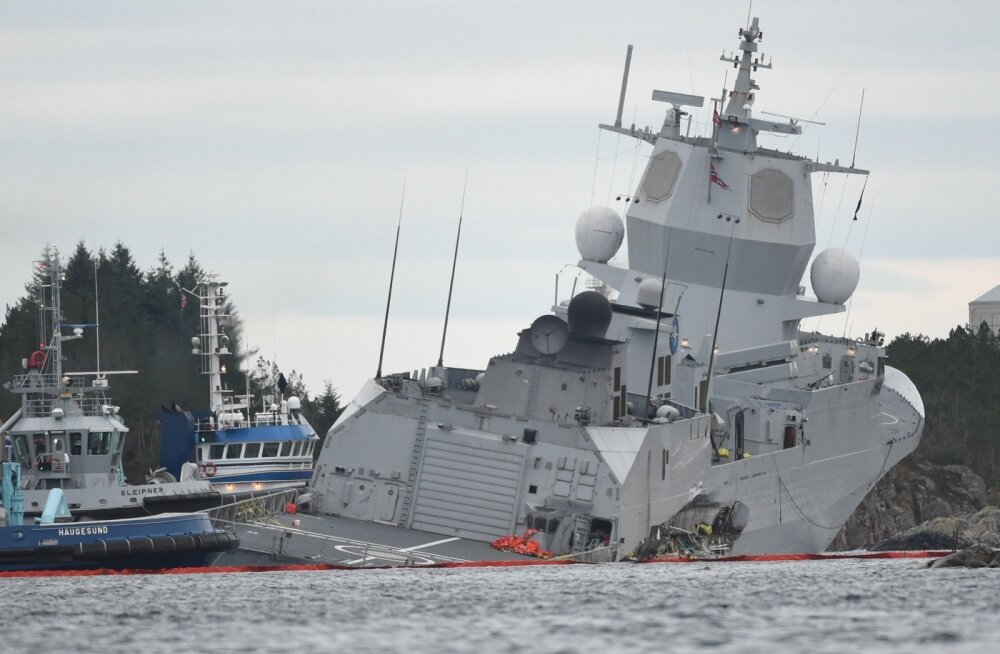 FOTOD | NATO õppuselt naasnud Norra sõjalaev põrkas kokku tankeriga ja on uppumisohus
